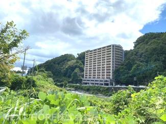 【アズレ川西】地上14階建 総戸数78戸 ご紹介のお部屋は8階部分です♪