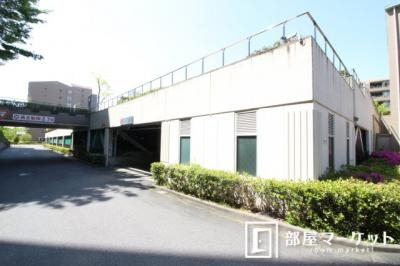 【駐車場】野村三好ヶ丘ヒルズ壱番館