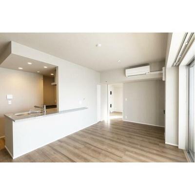 【居間・リビング】LIBR GRANT 西新宿EAST