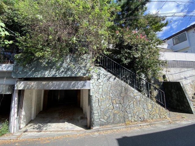 現況引渡し 建物有 平成23年リフォーム済 居住も可 建物面積149.83㎡ 駐車場あり(30㎡)