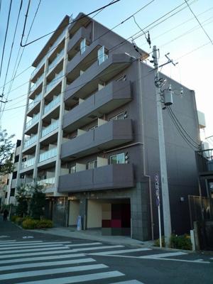 東急多摩川線「鵜の木」駅より徒歩4分のマンションです