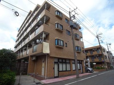 東急多摩川線「武蔵新田」駅より徒歩10分の分譲賃貸マンションです。
