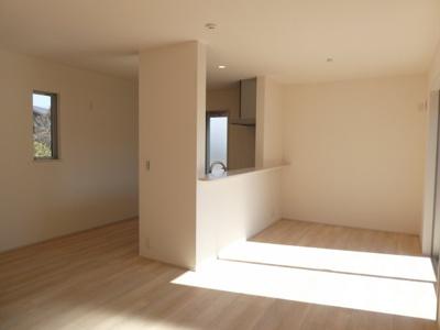 碧南市雨池町21-1期新築分譲住宅2号棟写真です。2021年9月撮影