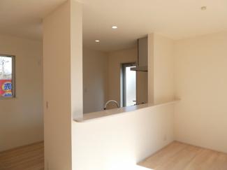 碧南市雨池町21-1期新築分譲住宅前面道路写真です。北側公道約6.0m
