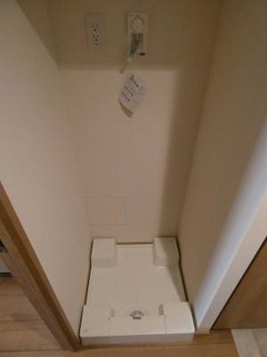 防水パン付きの洗濯機置き場です。