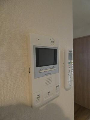 来訪者がわかる女性に安心な「TVモニターホン」です。