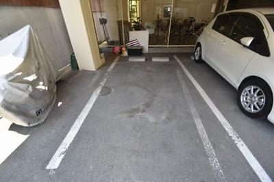 【駐車場】メゾン芥川 (株)Roots