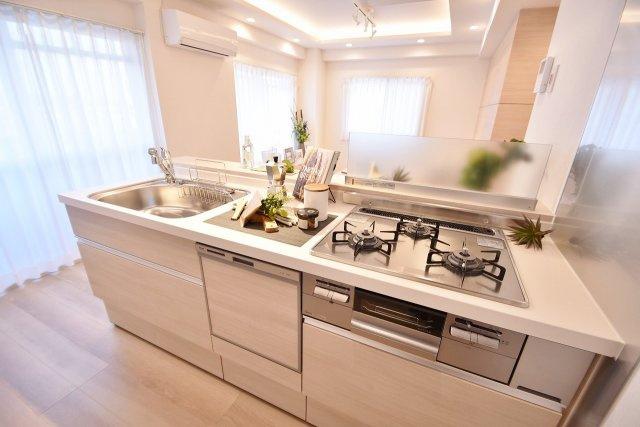システムキッチン新規交換(食洗機、浄水器一体型水栓付)