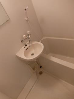 【浴室】パウロニアバレーティク1岸根公園