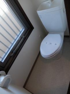 トイレに窓が付いてます