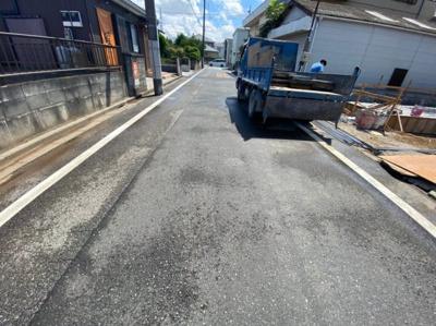 【前面道路含む現地写真】八潮市緑町2丁目新築戸建て