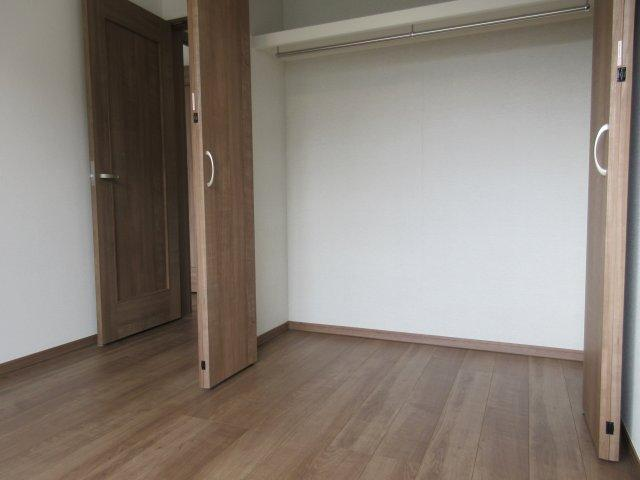 洋室(3収納スペース)