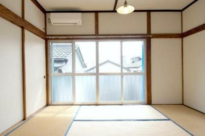 【寝室】新風荘