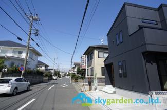 【前面道路含む現地写真】平塚市中里 新築戸建