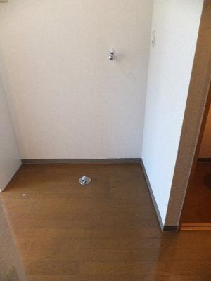 ☆室内洗濯機置き場※別部屋の参考写真です