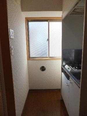 ☆キッチンに窓あります※別部屋の参考写真です