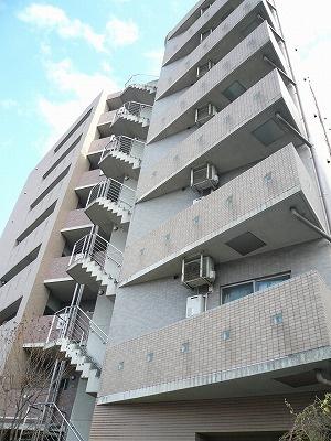 都営浅草線「西馬込」駅より徒歩4分のマンションです。