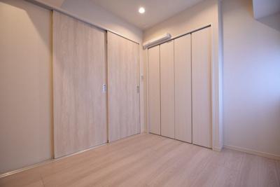 【洋室】サンパークマンション鶯谷 4階 角 部屋 リ ノベーション済