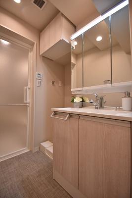 【独立洗面台】サンパークマンション鶯谷 4階 角 部屋 リ ノベーション済