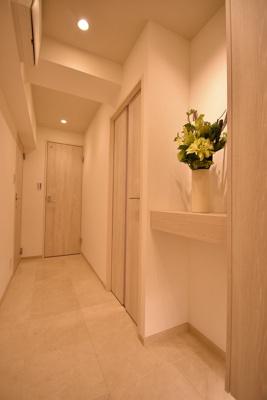【玄関】サンパークマンション鶯谷 4階 角 部屋 リ ノベーション済