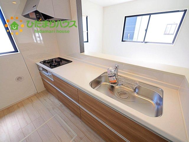 システムキッチン、広い作業スペース・・・快適な生活を叶える高い利便性を兼ね備えた住宅