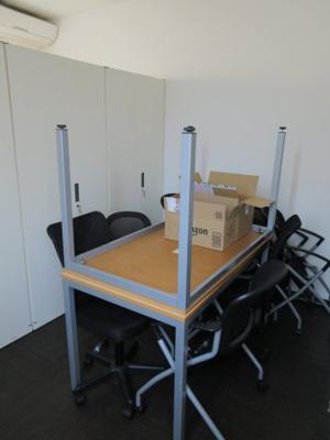 書庫・デスク・椅子使用可能