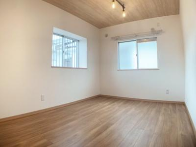 シンプルで使いやすい洋室です。