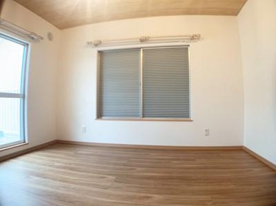 個人のお部屋にも丁度良い広さの洋室です。