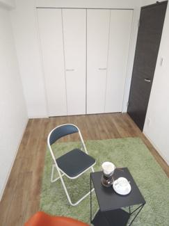 洋室です。広々収納スペースあり