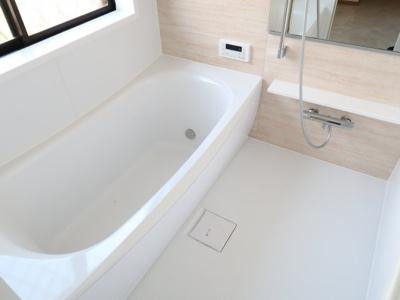 新品のお風呂は気持ちが良いです。