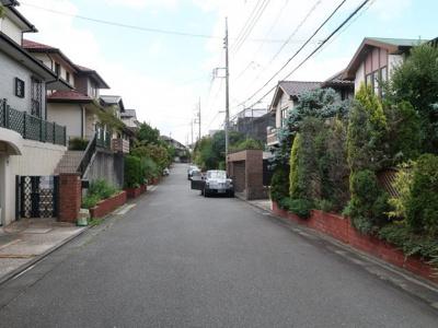 閑静な住宅街、生活便も良好です。