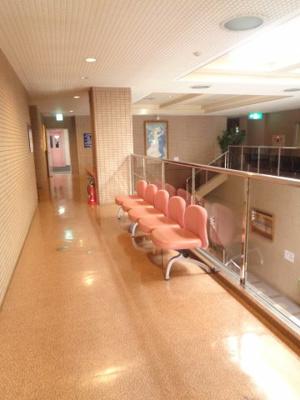 入り口前の廊下