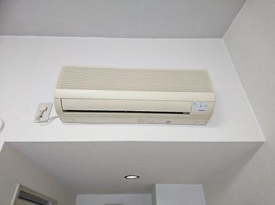 備付のエアコンです。