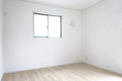 洋室④ ご夫婦が寝るにはゆとりのある7.5帖の洋室です。