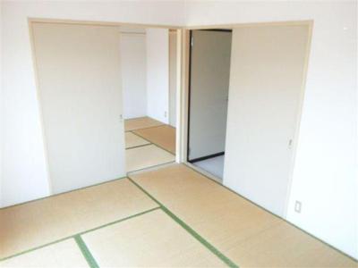 和室は2部屋とも南向き!
