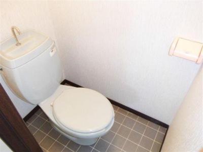 タイルが可愛いトイレ♪