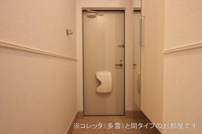 【玄関】コーポ・エテルナ5 B