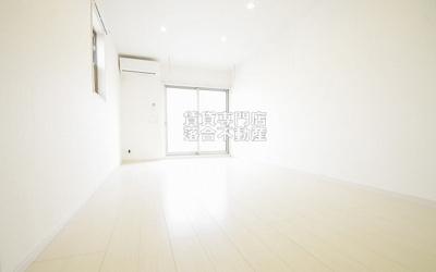 白基調の綺麗なお部屋