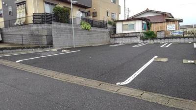 【駐車場】インプレス