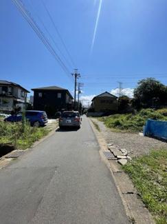 接道部分:協定道路 市道:誉田町21号線 建築基準法第42条2項道路 幅約3.88m~約4.03m(セットバック有)