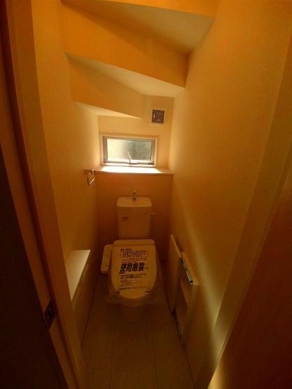 1・2階とも温水洗浄機能付きです。