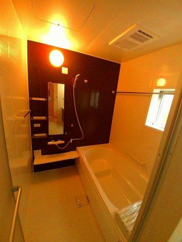 乾燥機能付き1坪タイプの浴室です。