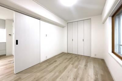 《追い炊き機能付き》のお風呂ですので、ご家族の入浴時間ばバラバラでも、いつでも温かい湯舟に浸かれます。