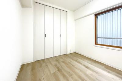 ウォシュレット付きのトイレでいつも清潔に保てます。