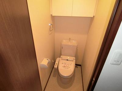 温水洗浄器付トイレ