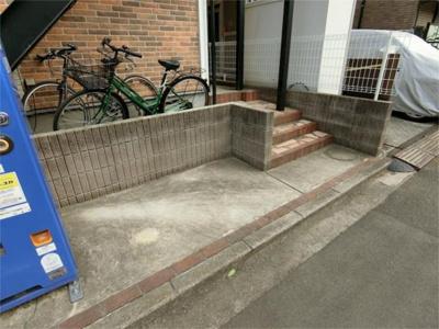 空きスペースに駐輪可能。