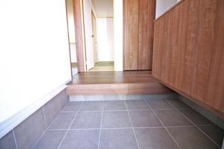 【浴室暖房乾燥機】洗濯物を乾かせたり、寒い季節は暖房で暖めたりと嬉しい設備です。
