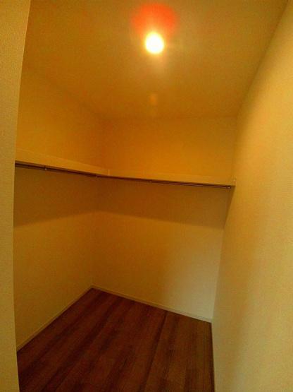 全棟LDKと続き間の和室があります。