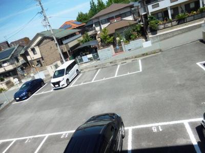 【駐車場】金剛東マンション