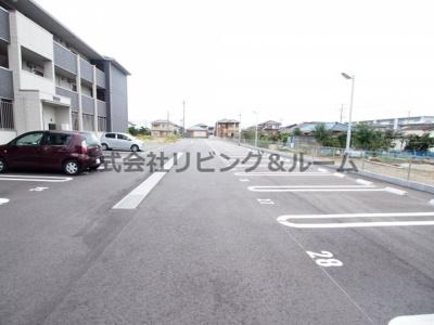 【駐車場】コンフォートⅢ A棟
